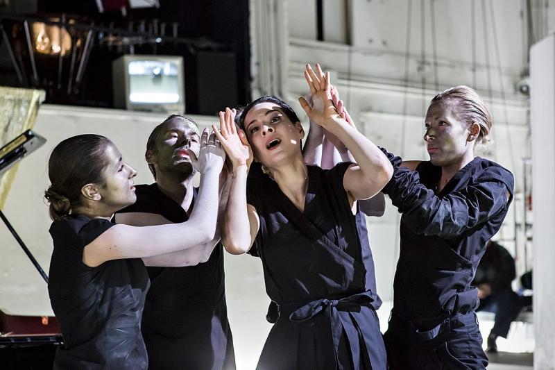 RONCHETTI | Lezioni di Tenebra Staatsoper Berlin, 2014 © Stephanie Lehmann